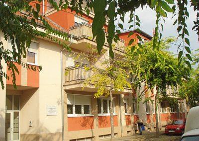 Kecskemét-Katona-J.-u.-27-lakásos-társasház-